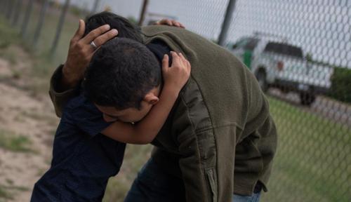 Foto AS Bakal Pisahkan Anak dan Orang Tua Jika Lewati Perbatasan Secara Ilegal