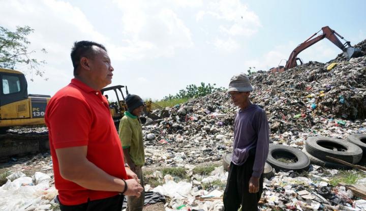 Foto Berita Atasi Gunungan Sampah, Cagub PDIP Bakal Bangun TPA Regional