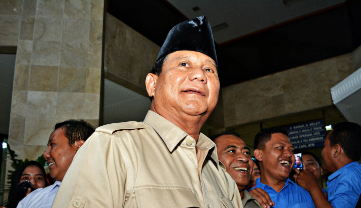Foto Berita Ke DPR, Prabowo Tinjau Ruang Kerja Anak Buahnya