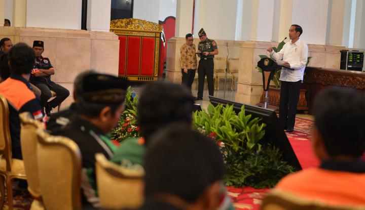 Foto Berita Jokowi Anugerahkan Satya Lencana pada Gubernur Sulteng