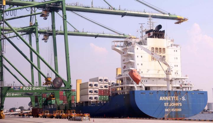 Foto Berita Tanjung Priok Terapkan Sistem Baru Pembayaran Jasa Pelabuhan