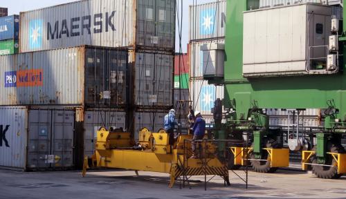 Foto Pelindo II Jalin Kerja Sama Sister Port dengan China