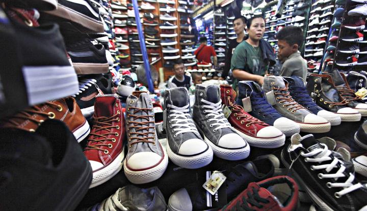 Foto Berita Bawono, Pengusaha Sepatu yang Melejit Lewat Whatsapp Business