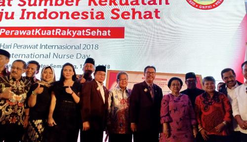 Foto Perawat Sumber Kekuatan Menuju Indonesia Sehat