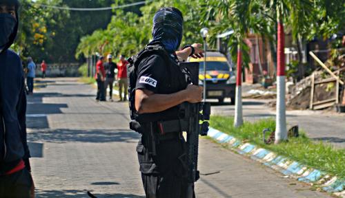 Foto Pasca Bom Surabaya, Inas: Kemana Prabowo, Gatot, AHY, Anies, dan Amien Rais?