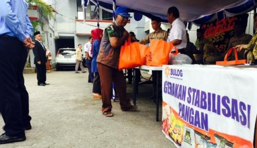 Foto Darmin Dorong Bulog Perluas Operasi Pasar