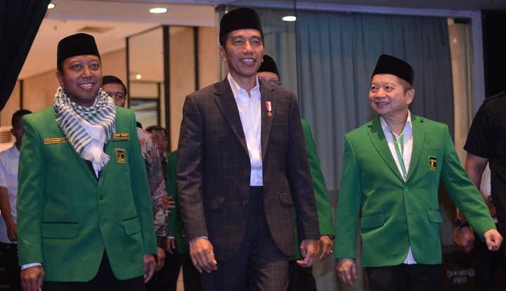 Foto Berita Romy Deklarasikan Sarung Jokowi