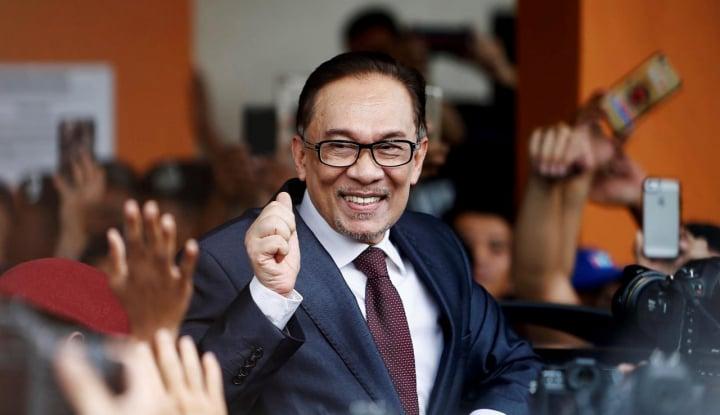 Foto Berita Sekjen PPP Jenguk Anwar Ibrahim