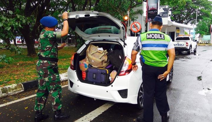 Foto Berita Pasca Bom Surabaya, Pengamanan di Bandara Hasanuddin Diperketat