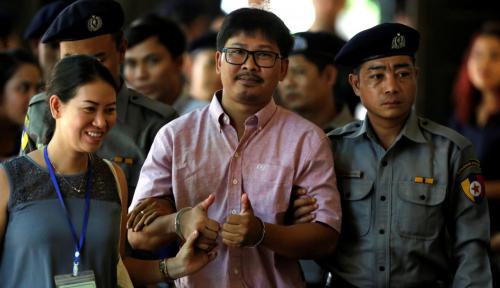 Foto Pengadilan Myanmar Vonis 2 Jurnalis Reuters 7 Tahun Penjara