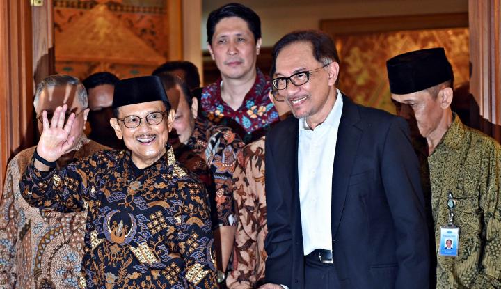 Foto Berita Anwar Ibrahim Lakukan Pertemuan dengan BJ Habibie