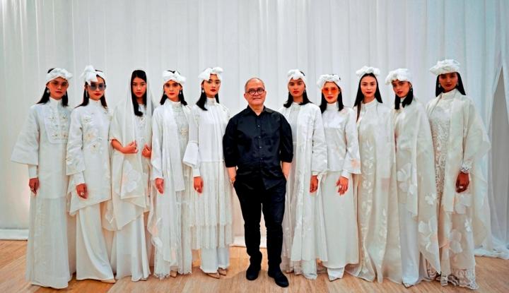 Foto Berita Rayakan Ramadhan in Style, Desainer Itang Yunasz Tampilkan 20 Looks