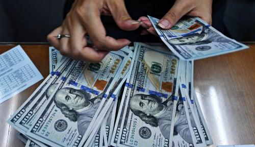 Foto Dolar AS Turun Tipis ke Tingkat Tertinggi 13 Bulan