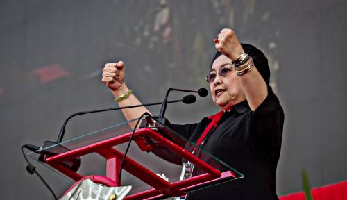 Foto Tak Menangkan Gus Ipul-Puti, Megawati: 'Kabeh Ta'k Pecati'