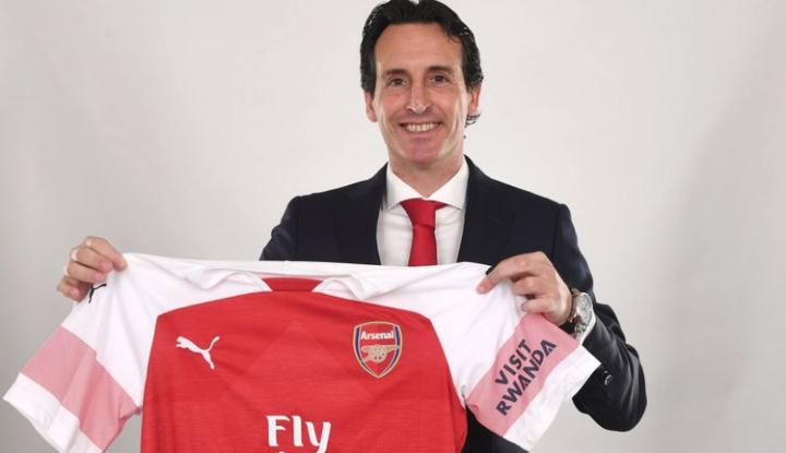 Foto Berita Singkirkan Puma, Adidas Tahun Depan Bakal 'Mejeng' di Jersey Arsenal