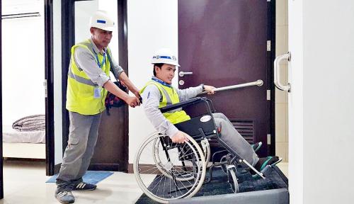 Foto Progres Renovasi 1.000 Kamar untuk Asian Paragames Capai 35%
