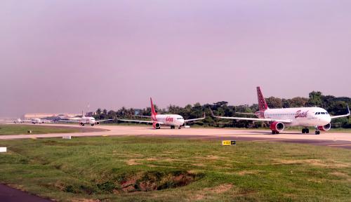 Foto DPR: Stop Bercanda Bom di Pesawat