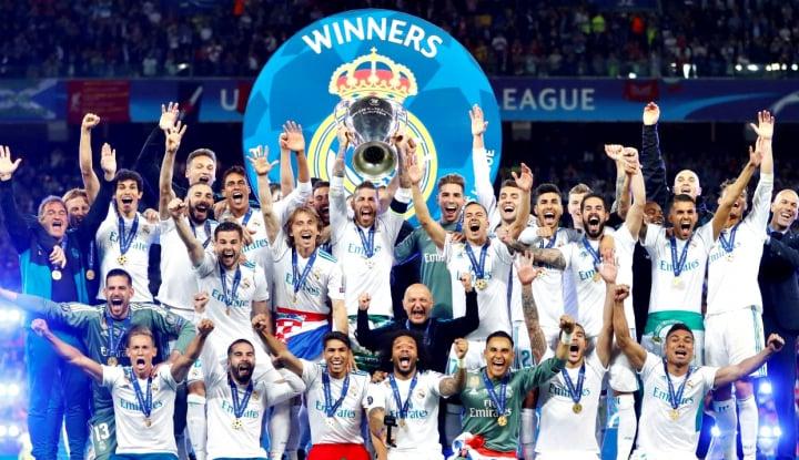 Foto Berita Real Madrid Angkat Trofi Juara Liga Champions 2018