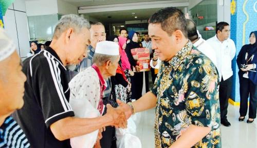 Foto Ramadan 1439 H, Pelindo IV Bagikan 3.300 Sembako Gratis