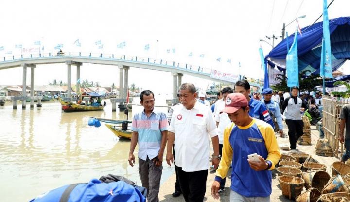 Foto Berita Demiz Janjikan Jabar Miliki Pelabuhan Samudera?