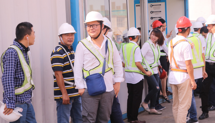 Foto Berita DPR Minta Pemerintah Perketat Pengawasan TKA