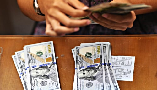 Foto Dolar AS Menguat Karena Turbulensi Politik Merongrong Poundsterling