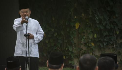 Foto JK: Ekonomi Islam Harus Bangkit Seperti Lagu Gambus