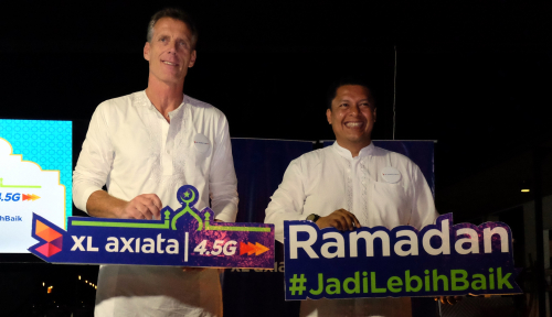 Foto XL Berikan Donasi Kuota Internet Bagi Sekolah Islam