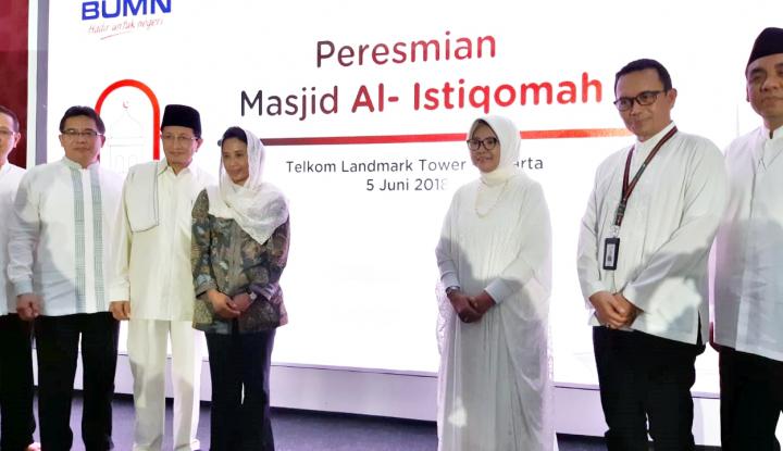Foto Berita Bersama Imam Besar Masjid Istiqlal, Menteri Rini Resmikan Smart Mosque Al Istiqomah
