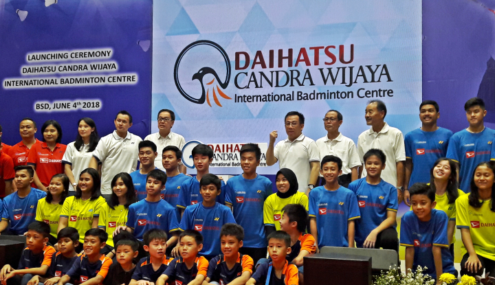 Foto Berita Daihatsu-Candra Wijaya Kerja Sama Cetak Atlet Bulu Tangkis Profesional