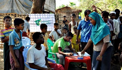 Foto Senyum Rohingya, Dompet Dhuafa Tebar Parsel Ramadan di Myanmar