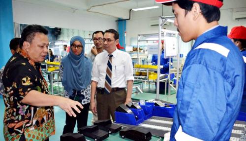 Foto Dekatkan Pendidikan dengan Industri, TMMIN Donasikan Laboratorium