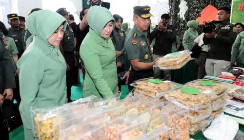 Foto Jelang Lebaran, TNI AD Gulirkan Pasar Murah