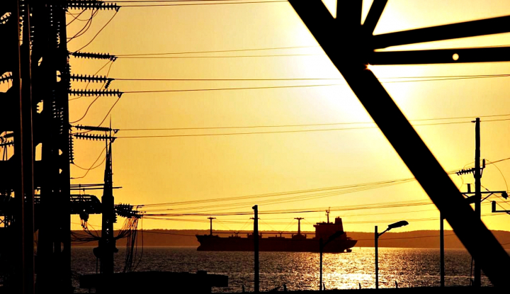 Tarif Asuransi Kapal Tanker Minyak Timur Tengah Melonjak 10 Kali Lipat - Warta Ekonomi