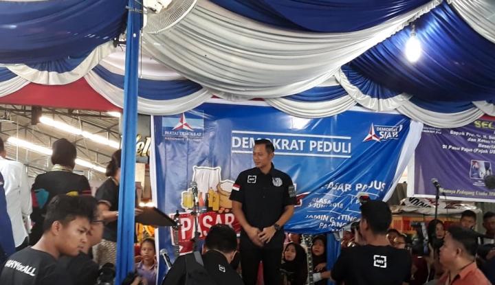 Foto Berita Di Medan, AHY Resmikan Pasar Murah Demokrat