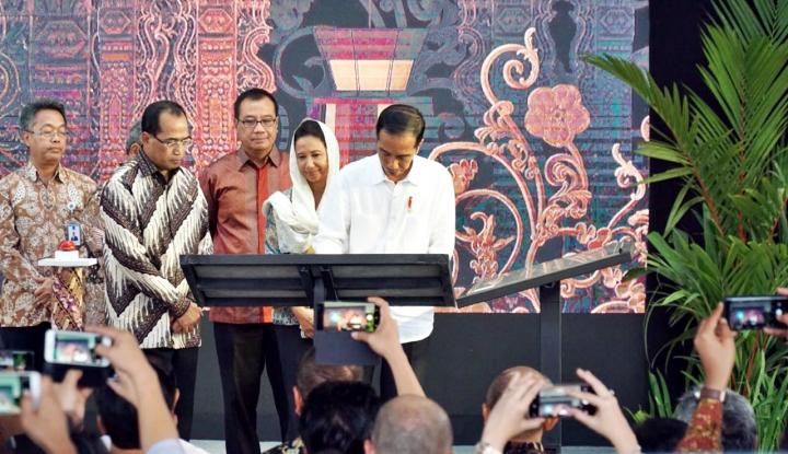 Foto Berita Menteri Rini Apresiasi Operasional Terminal Baru Bandara Ahmad Yani