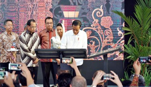 Foto Menteri Rini Apresiasi Operasional Terminal Baru Bandara Ahmad Yani