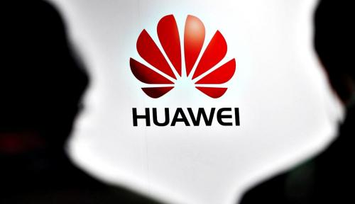 Foto Reaksi Huawei Setelah Diputuskan Facebook Cs
