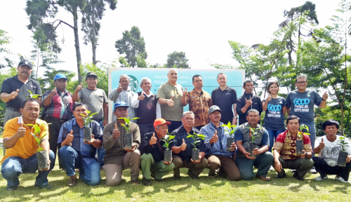 Foto Starbucks Sumbang Rp400 Juta untuk Petani Kopi Sumatera
