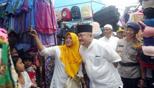 Foto Sambut Idul Fitri, Gubernur Sumsel dan Kapolda Pantau Keamanan Pasar
