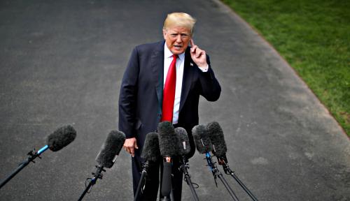 Foto Masih Ragukan China, Trump Enggan Cabut Bea Impor