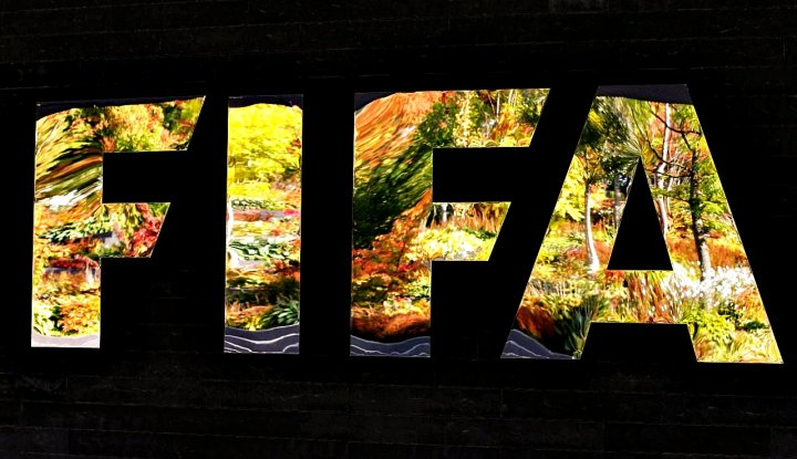 Foto Berita FIFA Denda Asosiasi Sepak Bola Swedia dan Kroasia