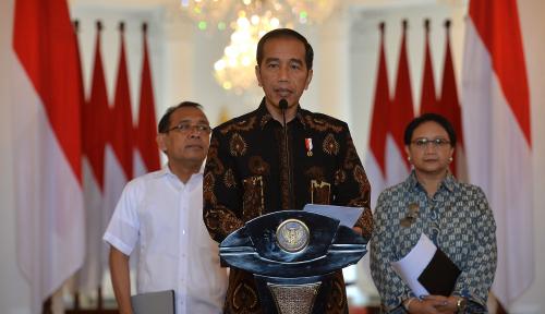 Foto Puluhan Advokat Deklarasikan Bela Jokowi