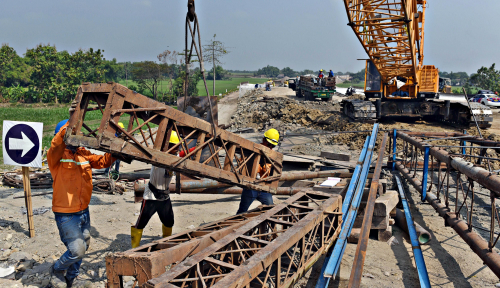 Foto Sukses Biayai Infrastruktur, BNI Ajak Investor Jajaki Trans Jawa
