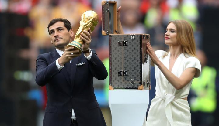 Foto Berita Warga Rusia Gembira Sambut Kemenangan Timnas