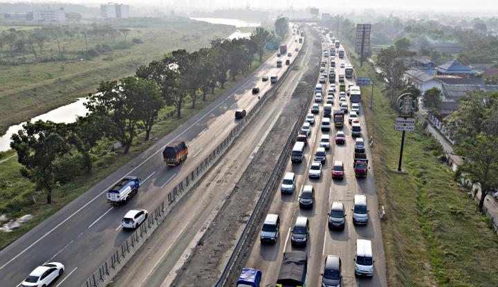 Foto Berita Soal Penutupan Jalan Tol Cikampek, Buat Jasa Marga Bingung