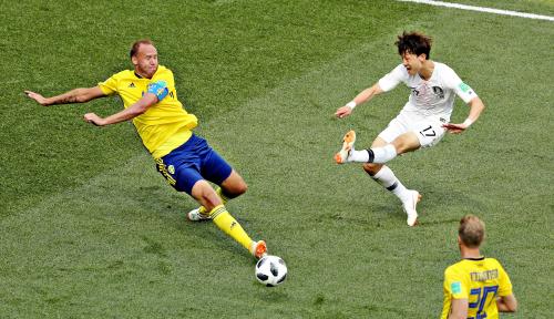 Foto Penalti, Swedia Kalahkan Korsel 1-0
