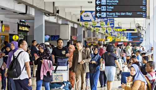 Foto Arus Balik: Bandara Halim Perdanakusuma Mulai Dipadati Penumpang