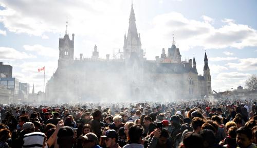 Foto Kanada Setuju Legalkan Ganja Rekreasi