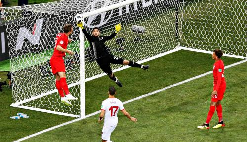 Foto Kiprah Kiper Tunisia di Piala Dunia 2018 Berakhir